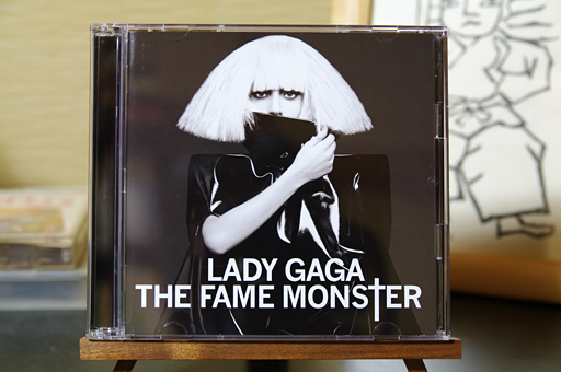 LADY GAGA 「THE FAME MONSTER」